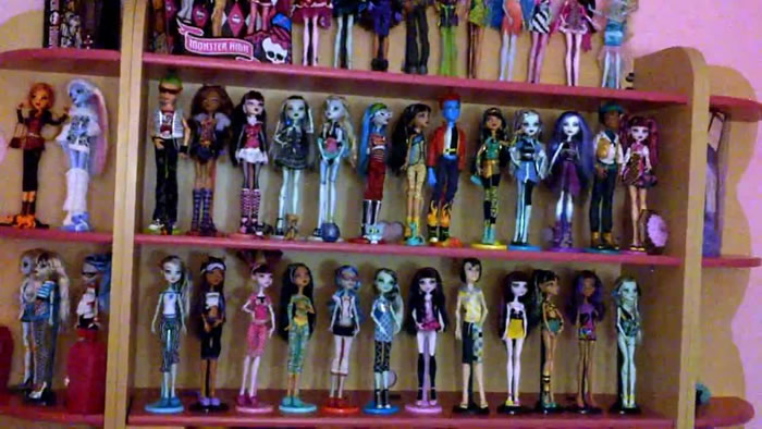 Monsterhigh játékok a falon
